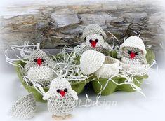 Marrot Design - Baby kylling i æggeskal Crochet Birds, Easter Crochet, Crochet Toys, Halloween Crochet, Xmas, Christmas Ornaments, All Holidays, Baby Design, Free Pattern