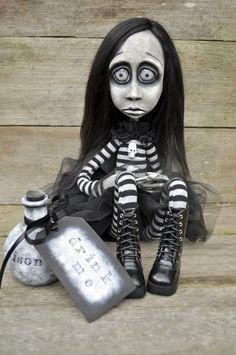 Dark Alley Art Dolls.: Alice, my first cloth and clay doll.