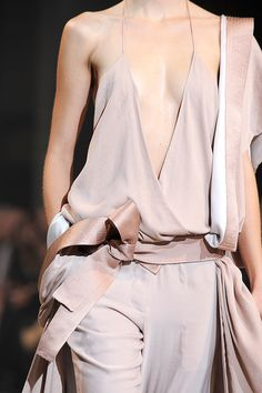 Nude... I wish I could have this AND the guts to wear it ! lol !!!
