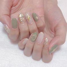 korean nail art Amazing gold and light green nails - Korean Nail Art, Korean Nails, Asian Nail Art, Asian Nails, Kawaii Nails, Baby Boomer, Feet Nails, Summer Acrylic Nails, Minimalist Nails