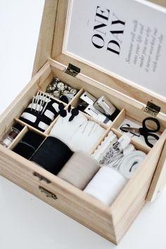●セリア*とっておき2段重ねソーイングボックス。きっちり仕切って実用、可愛さ抜群収納に●   瀧本真奈美の収納インテリアブログ