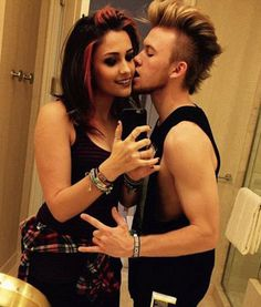 Michael Jackson's Daughter Paris Is All Grown Up, Poses in New Selfie With Boyfriend | Cambio