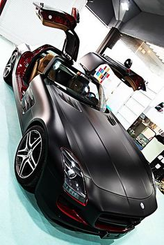 Mercedes-Benz SLR Mc - #LadyLuxuryDesigns