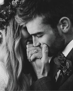 If you would like intimate wedding pics, think carefully about the actual environment, a lighting, Engagement Announcement Photos, Engagement Photo Poses, Engagement Pictures, Engagement Photography, Wedding Pictures, Wedding Photography, Proposal Pictures, Winter Engagement Photos, Fall Engagement