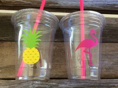Tropical Party Cups Flamingo Cups Pineapple by BlueOakCreations Flamingo Party, Flamingo Birthday, Luau Birthday, Flamingo Top, Aloha Party, Tiki Party, Hawaiian Party Decorations, Luau Theme, Party Cups