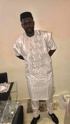 African Dresses Men, African Attire For Men, African Shirts, African Men Fashion, Mens Fashion, Dashiki For Men, Agbada Styles, Mens Kurta Designs, Shirt Style