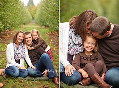 Family of 3 pose photography (Bethany F Photography)