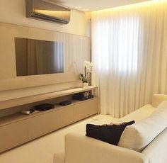 Iniciando com este espaço delicado clean e belo by Rejane Dubeux. Amei Me encontre também no @pontodecor {HI} Snap:  hi.homeidea  http://ift.tt/23aANCi #bloghomeidea #olioliteam #arquitetura #ambiente #archdecor #archdesign #hi #cozinha #homestyle #home #homedecor #pontodecor #homedesign #photooftheday #love #interiordesign #interiores  #picoftheday #decoration #world  #lovedecor #architecture #archlovers #inspiration #project #regram #outubrorosa #canalolioli
