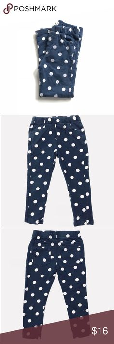 Tucker + Tate navy blue & white polka dot leggings •Tucker + Tate navy blue (thick) leggings with white polka dots They do have false pockets; baby girl designer pants  •VGUC -  just a little color fading  •Size 5  •I am a: Posh Ambassador, top 10% seller, top rated seller, Posh mentor & ship same day/next day!  ⭐️❤️FREE Matching hair accessory with purchase!❤️⭐️ •Comes from smoke & pet free home •Browse my closet for dozen of amazing designers such as.. tucker + Tate, Tea Collection, Mini…