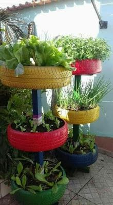 Tire garden - 39 Cheap and Easy DIY Garden Ideas Everyone Can Do – Tire garden Tire Garden, Bottle Garden, Easy Garden, Garden Beds, Garden Soil, Cheap Garden Ideas, Garden Ideas With Tyres, Yard Ideas, Diy Garden Ideas On A Budget