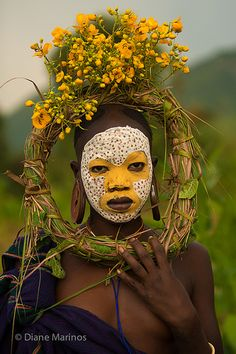 Log in - The best fashion types in the world fashionlife Cara Tribal, Tribal Face, African Tribes, African Art, We Are The World, People Around The World, Tribal Makeup, Berber, Tribal People