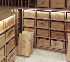 Wine Bottle Chandelier, Home Wine Cellars, Sweet Home Design, Cellar Ideas, Live In Style, Wine Storage, Creative Home, Crates, Wine Glass