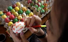 A Christian girl decorates an Easter egg in preparation of Easter Sunday in Gauhati, India. Jesus Resurrection, Christian Girls, World Photo, Girl Decor, Easter Eggs, Sunday, India, Image, Domingo