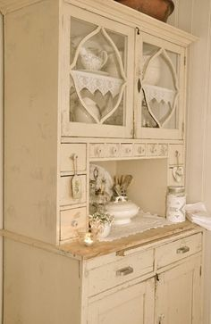 › SHABBY CHIC HOME. A lot more excellent shabby chic furniture suggestions on my web site. Shabby Chic Cottage, Vintage Shabby Chic, Shabby Chic Homes, Shabby Chic Style, Shabby Chic Decor, Vintage Decor, Shaby Chic, Shabby Chic Furniture, Vintage Furniture