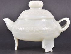 A LATE 19TH/20TH CENTURY CHINESE WHITE JADE CARVED TEAPOT AND COVER #jade