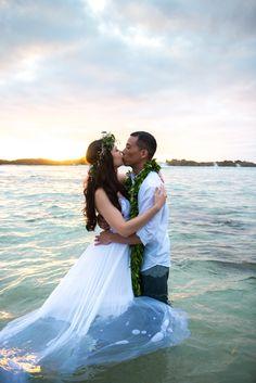 A Natural, Tropical Wedding Elopement at Ke Iki Beach in Kahuku, Hawaii on Oahu by Rene Tate Photography