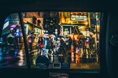 I'm taking pictures in my favorite city, Tokyo. Often gray during the day, but magical at night. It looks like a revived Blade Runner movie. Tokyo Night, Change Image, Blade Runner, Playing Guitar, Take My, New Image, Taking Pictures, Charms