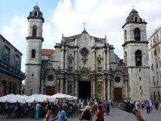 La cathédrale de la Havane à Cuba. www.pass-age.fr