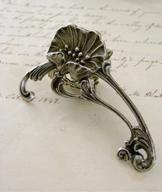 Silver Ring Art Nouveau Poppy Flower Retro by chloesvintagejewelry, $32.00