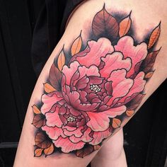 Really angry in places but Some biggggg peonies for Sydnie, thank you! Japanese Flower Tattoo, Japanese Tattoo Designs, Japanese Flowers, Pretty Tattoos, Beautiful Tattoos, Rose Tattoos, Flower Tattoos, Bird Of Paradise Tattoo, Japan Flower