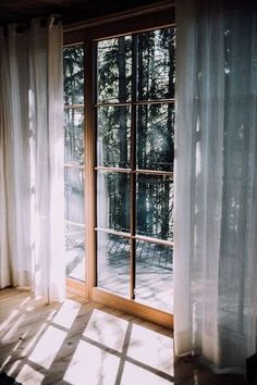 36 New Ideas for house big windows natural light Interior And Exterior, Interior Design, Big Windows, Ceiling Windows, House Doors, Window View, Balcony Window, My New Room, My Dream Home