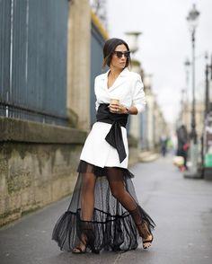 """3,496 curtidas, 56 comentários - Silvia Bussade Braz (@silviabraz) no Instagram: """"O clássico preto e branco que eu amo ❤️Look do inverno @skazioficial que eu pirei quando vi e tava…"""" 80s Fashion, Fashion 2020, High Fashion, Fashion Dresses, Womens Fashion, Korean Fashion, Style Fashion, Silvia Braz, Fashion Details"""
