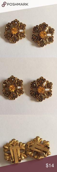 Vintage crystals clip earrings orange stones nice Super cute clean vintage wearable nice Jewelry Earrings