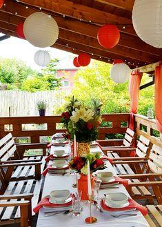 Przyjęcie imieninowe z motywem Living Coral | Dekoracja stołu | Dekoracja tarasu | Dekoracja przyjęcia | Papierowe lampiony | Koral biel złoto | Woal