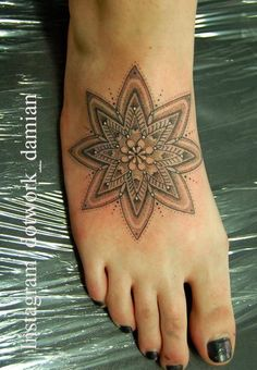 Dotwork Damian: Foot mandala for Lucy.