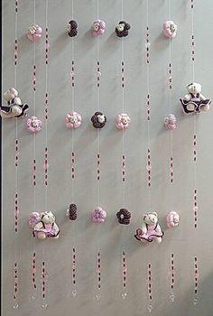 Monte uma linda cortina de pingentes para deixar o quarto de sua filha(o) com um charme feito por vc! Diversas cores e modelos, faça já seu orçamento!