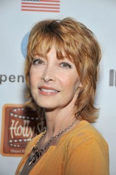 7 Sexy Shag Hairstyles Over 40   Sharon Lawrence's Shoulder-Skimming Shag   Style Goes Strong