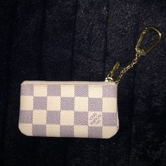 authentic key cles In very good condition!! Does not come with box or dust bag !! Code on inside is: ca4121  made in Spain Louis Vuitton Bags Wallets