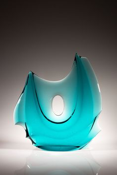 Schantz Galleries features fine art glass sculpture by contemporary artists such as Dale Chihuly and Lino Tagliapietra. Visit our glass art gallery and view art glass sculptures by world renowned artists. Glass Art Design, Art Of Glass, Blown Glass Art, Glass Vessel, Bottle Art, Mosaic Art, Sculptures, Cast Glass, Glass Bottles