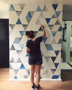 99 Trendy Diy Wall Art Ideas is part of Diy wall painting - As the seasons change, most people get the itch to redecorate or change up their home Whether your home or […] Diy Wand, Diy Living Room Paint, Diy Wall Art, Wall Decor, Wallpaper Wall, Room Wall Painting, Diy Painting, Apartment Painting, Wall Paintings