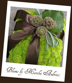 Ring bearer pillow made of flowers