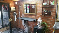 Our newly relocated dog grooming salon ready to go!!! Love the natural light xxx