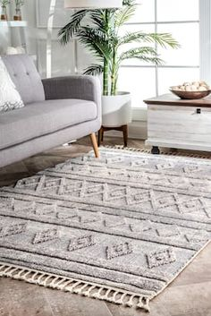 Rugs USA Gray Grooven Shaggy Diamond Bands Tassel rug - Casuals Rectangle x Living Room Size, Living Room Grey, Living Room Modern, Rugs In Living Room, Dark Grey Couches, Living Room Color Schemes, Room Paint Colors, Rugs Usa, Round Rugs
