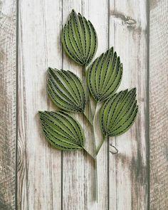 quilling leaf #quilling #paperquilling #quillingart #quillingleaf #papercrafts #paperleaf #leaf #paperart #handmade #종이감기 #종이감기공예 #페이퍼퀼링 #종이공예 #나뭇잎 #핸드메이드 #공예 #취미