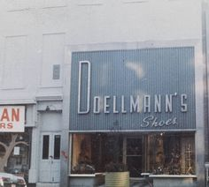 Doellmann's Shoes, c. 1970 :: City of Middletown Collection