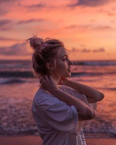 Beach Photography Poses, Portrait Photography Poses, Beach Portraits, Summer Photography, Photo Poses, Beach Fashion Photography, Teenage Girl Photography, Toddler Photography, Picture Poses