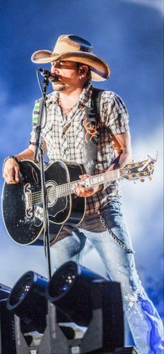 Country Music Radio, Country Music Stars, Country Singers, Cute Country Boys, Country Life, Country Playlist, Nashville Music, Sara Evans, Music Photographer