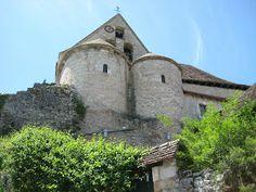 Creysse - The unusual Romanesque double apse of the church - Lot dept. - Midi-Pyrénées région, France    ...leport.blogspot.com