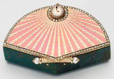 Box, Fabergé, Mikhail Evlampievich Perkhin (1860-1903) (workmaster), 1903, bloodstone, gold, enamel, cabochon mecca stone, diamond, pearls