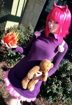 This League of Legends Annie Cosplay is Super Cute #cosplay #comiccon trendhunter.com