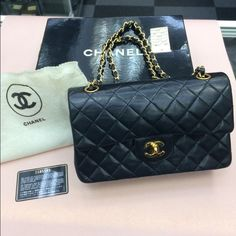 Authentic Chanel Classic 2.55 Good condition! Comes with card serial number CHANEL Bags