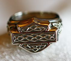 Harley Davidson Sterling Silver Celtic Signet Ring Women's Size 7 . WANT THIS!