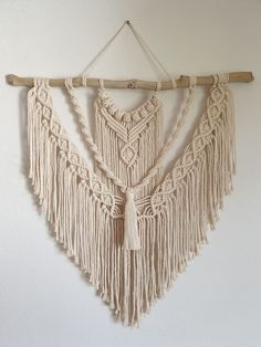 Macrame Wall Hanging Patterns, Macrame Patterns, Macrame Plant Hangers, Jewelry Wall, Macrame Design, Macrame Projects, Boho Diy, Craft Fairs, Weaving