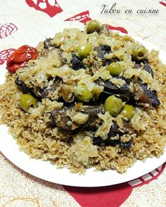 West African Food, South African Recipes, Jollof Rice, Yummy Food, Tasty, Good Foods To Eat, Spicy Recipes, Street Food, Food Dishes