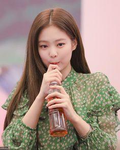 Kpop Girl Groups, Korean Girl Groups, Kpop Girls, Blackpink Jennie, Yg Entertainment, My Little Beauty, Rapper, Blackpink Members, Black Pink