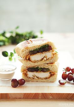 Chicken Sandwich with Arugula, Grapes & Balsamic Cream.
